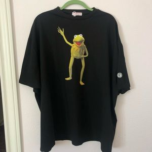 Dolls Kill THE MUPPETS KERMIT GRAPHIC TEE